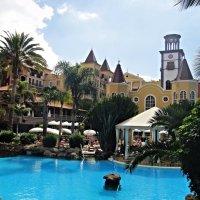 На территории отеля Bahia del Duque :: Елена Павлова (Смолова)