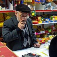 В ЛАВКЕ :: Валерий Викторович РОГАНОВ-АРЫССКИЙ