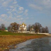 Морозец. У древних стен монастыря. :: Святец Вячеслав