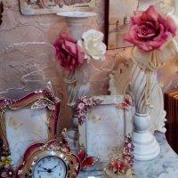 На столике :: Larisa