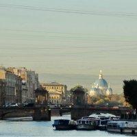 Прогулка. Утро и река Фонтанка. :: Владимир Гилясев