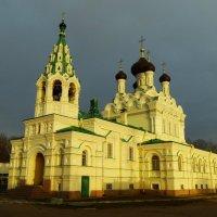 церковь Святой Троицы ...город Ивангород. :: Михаил Жуковский