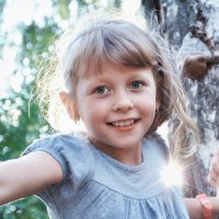 Сколько света от тебя, малышка! :: Ирина Данилова