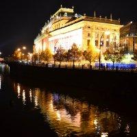 Вечер на набережной :: Ольга