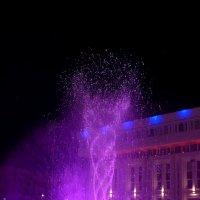 Светящийся фонтанчик :: Екатерина Василькова