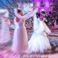 Свадебный Танец :: Денис Азаров