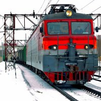 а мимо пролетают поезда.... :: Сергей F