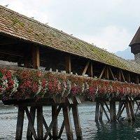 Символом Люцерна издавна считается мост Капелльбрюкке, переброшенный через реку Ройс :: Елена Павлова (Смолова)