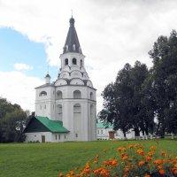 Распятская церковь-колокольня. :: Елена