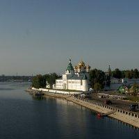 На стрелке. Кострома. Ипатьевский монастырь. :: Александр Смирнов
