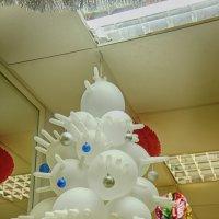 Новогодняя елка с точки зрения работников аптеки.... :: марк