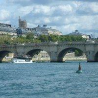 Пон-Нёф, также Новый мост (фр. Pont Neuf) — старейший из сохранившихся мостов Парижа через реку Сену :: Galina Dzubina