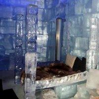 Ледяная кровать :: Лариса Корженевская