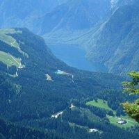 Чудесный вид на Королевское озеро с высота 1834 метра :: Galina Dzubina