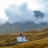 На северном склоне горы Эльбруса, в верховьях реки Малки :: Elena Izotova