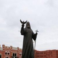 Памятник основателю Йошкар-Олинской и Марийской епархии :: Damir Si