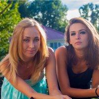 Анастасия и Олеся :: Денис