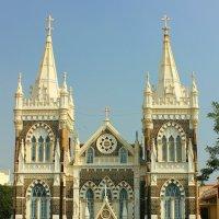 Церковь Марии на горе в Рождественские праздники  ( Мумбай, Бандра). :: Александр Бычков