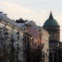 Казанский собор в лучах заката со стороны Шведского переулка :: Александра