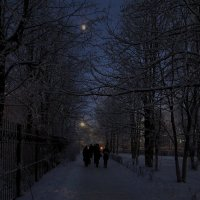 Вечерний сквер. :: Sergey Serebrykov