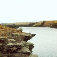 отвесная скала на реке Северский Донец :: Elena Ishchenko