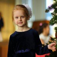 Отвели детей на ёлку. :: Игорь Воронков