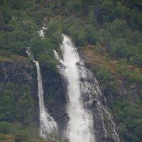 Норвегия. У водопада :: Юрий Цыплятников