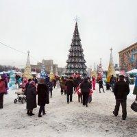 С Наступившим ! Новый год на площади Свободы :: Александр Резуненко