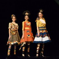 Три девицы :: Viktor Pjankov