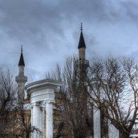 Зима в городе Е. :: Александр Чудесенко
