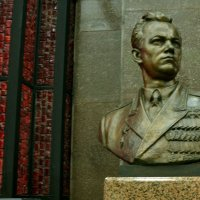 Памятник трижды Герою Советского Союза И.Н. Кажедубу :: Владимир Болдырев