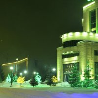 Зелёное безмолвие с золотыми вкраплениями. :: Валерий Кабаков