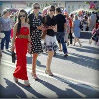 Девочки идут! :: Владимир Шошин