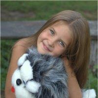 Расскажи мне девочка про счастье! :: Виктория Юровских
