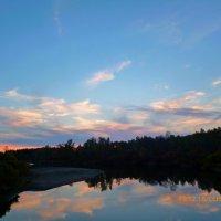 Закат на реке :: оксана