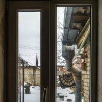 """ А за окном то дождь, то снег,... "" :: Константин Бобинский"