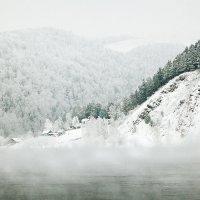в снежном поселке :: зоя полянская