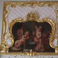 Розовая гостиная. Десюдепорт  «Амуры, играющие в мыльные пузыри», неиз. художник, XVIII в. :: Елена Павлова (Смолова)
