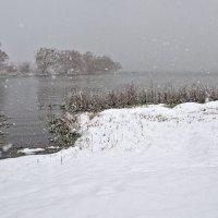 а снег идет, а снег идет.. :: Galina