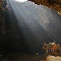 Свет пещеры :: Вера Петрова