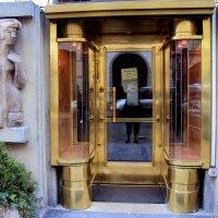 Оформление входных дверей. ПРАГА :: Tata Wolf