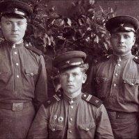Армейские друзья.  1953 год :: Нина Корешкова