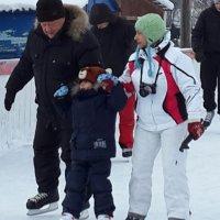 На катке :: Наталья Тимофеева