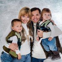 Семейный портрет :: Светлана Сушинских