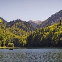 Высокогорное озеро :: Юрий Кольцов