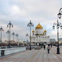 Патриарший мост :: Сергей Кордумов
