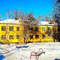 Двор у дома :: Валентина Пирогова