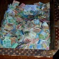 Сундук с деньгами.. -)) :: Вера (makivera)