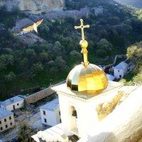 Золотая птица над золотым куполом :: Oleg Ustinov