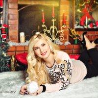 Блондинка у камина :: Татьяна Семёнова